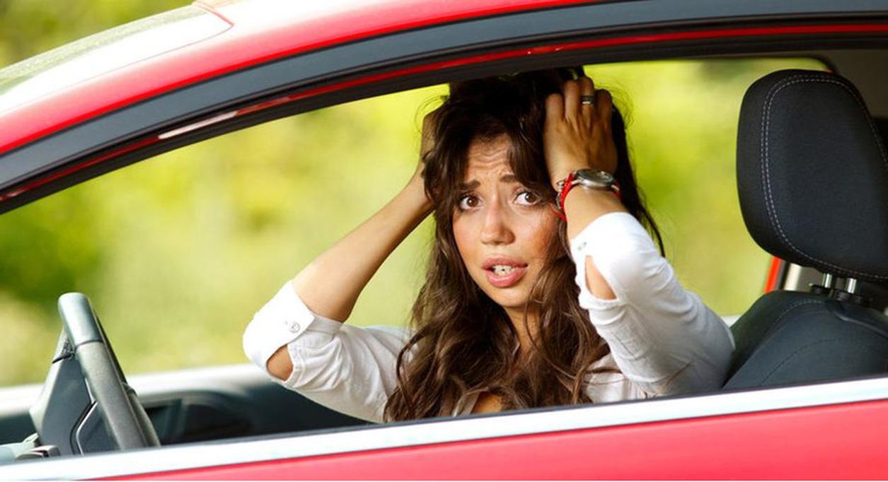 сколько надо ездить с знаком начинающий водитель