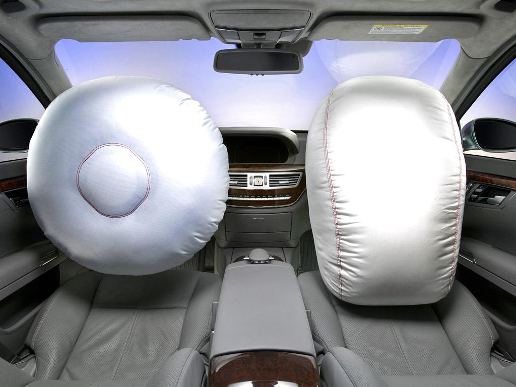 the role and purpose of air bags in automobiles Hetrick designed the system to reduce injuries during emergency braking and frontal collisions, according to a story in american heritage about his inventi.